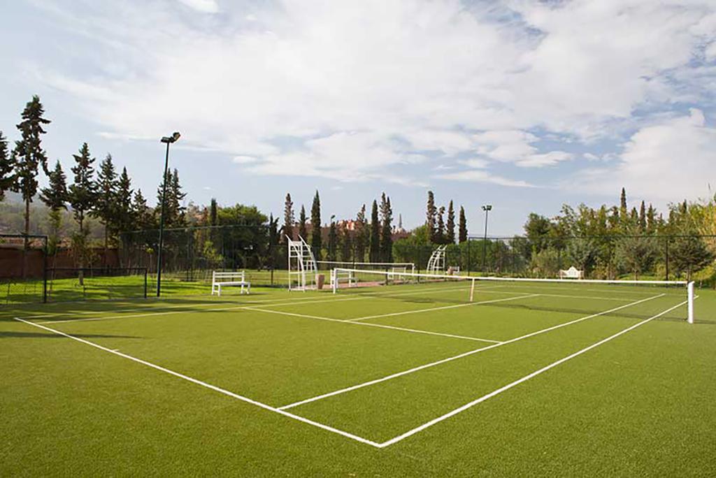 Kasbah Tamadot Tennis Court