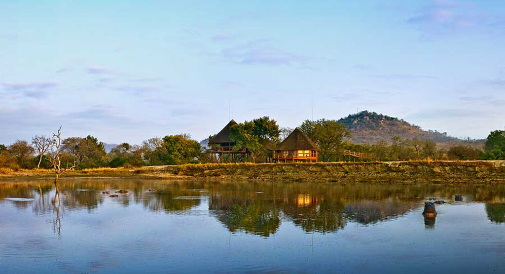 Treehouse Suite from Xikwenga Dam