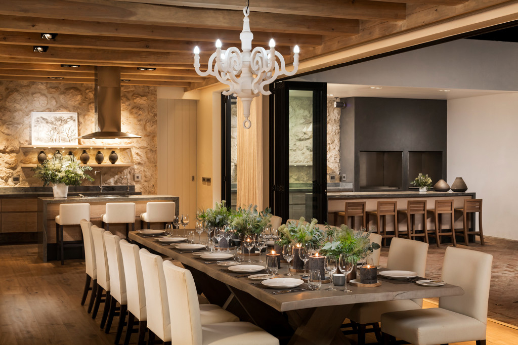 Manor-House-evening-dining-2