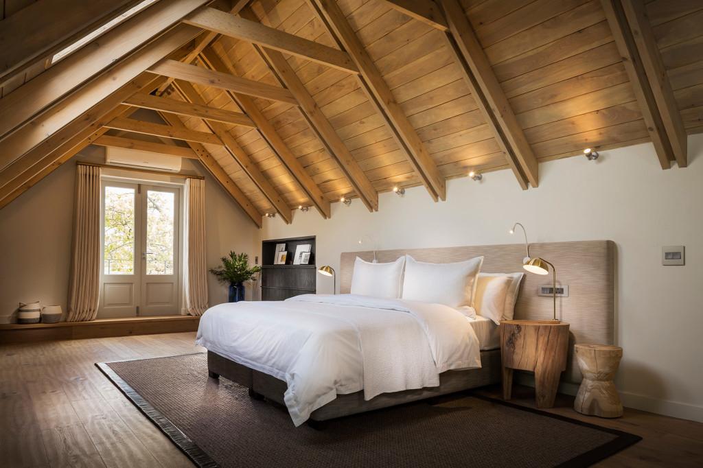 Manor-House-Loft-Suite-bedroom