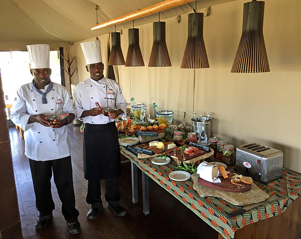 Chefs at Mahali preparing breakfast