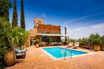 27-kasbah-tamadot-master-suite-swimming-pool.jpg