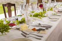 mahali-mzuri-wedding-breakfast-place-setting.jpg
