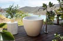 the-point-estate-guest-room-bathtub-1.jpg