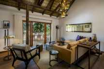 ulusaba-safari-lodge-safari-suite-lounge-with-viewing-deck.jpg